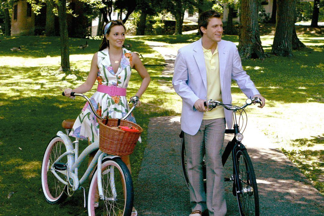 Blair (Leighton Meester, l.) hat sich in Europa eine neue Liebe geangelt: den adeligen Marcus (Patrick Heusinger, r.) ... - Bildquelle: Warner Brothers