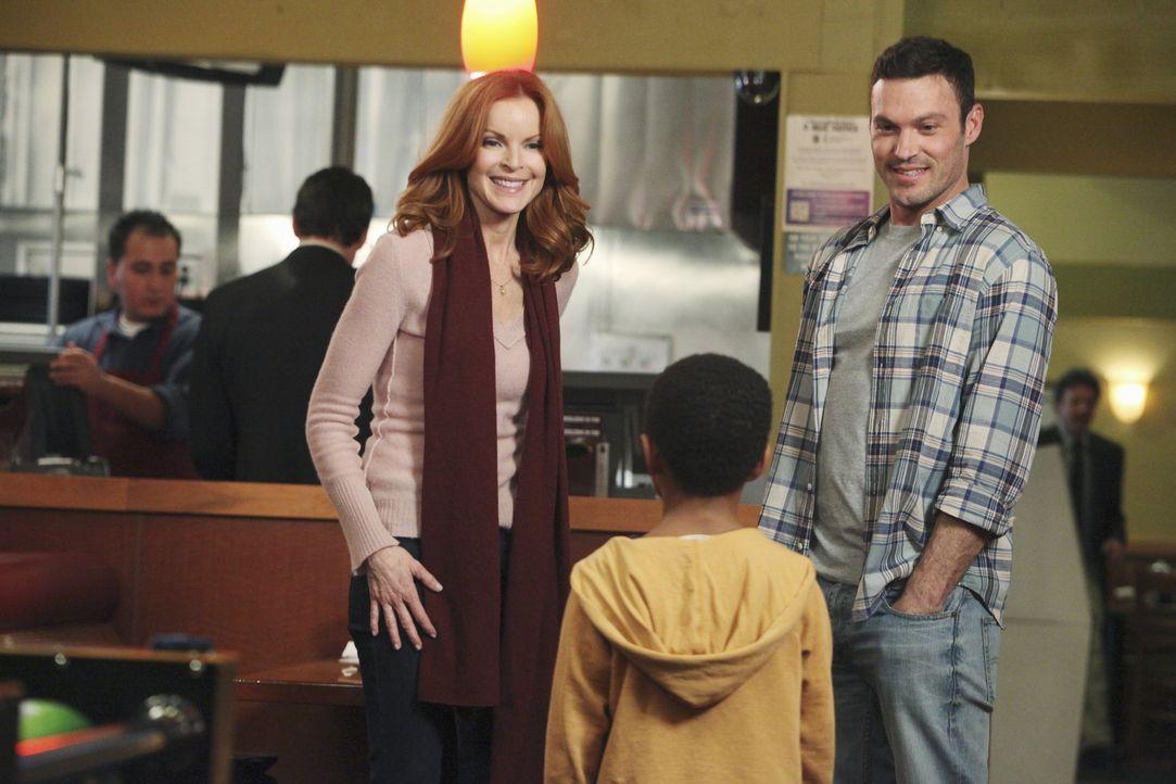 Während sich Lynette, nur widerwillig auf einen Familiennachmittag mit Stella und ihrem neuen Ehemann Frank einlässt, versucht Bree (Marcia Cross, l... - Bildquelle: ABC Studios