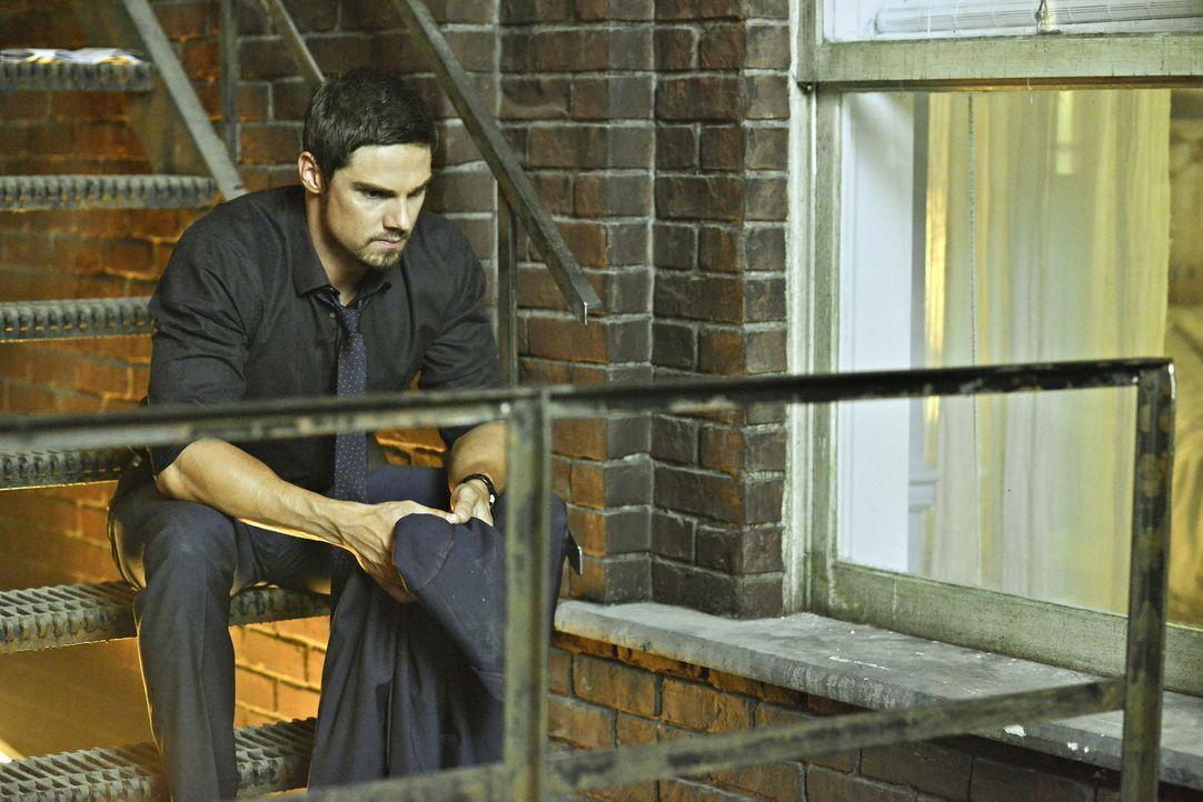 Als ein FBI-Agent stirbt, deutet alles darauf hin, dass der Täter ein genmanipulierter Mensch war. Doch hat Vincent (Jay Ryan) wirklich etwas damit... - Bildquelle: 2013 The CW Network, LLC. All rights reserved.
