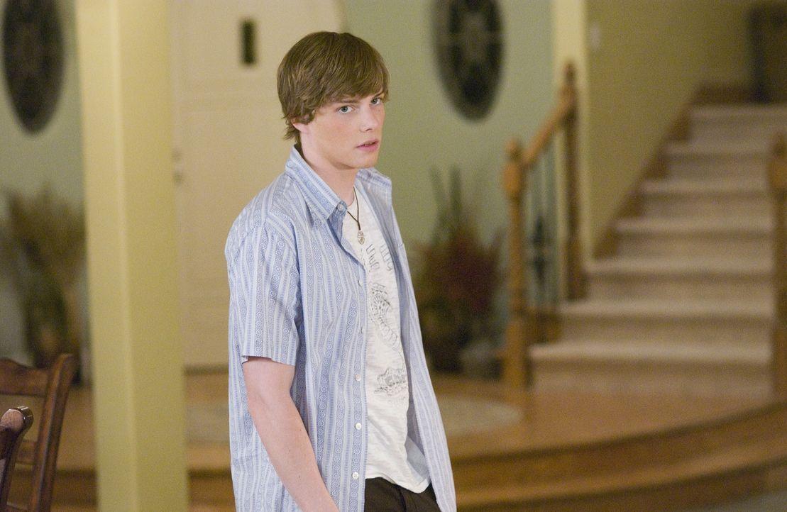 Als Silas (Hunter Parrish) erfährt, dass seine Mutter mit Drogenfahnder Peter verheiratet ist, wendet er sich von ihr ab ... - Bildquelle: Lions Gate Television