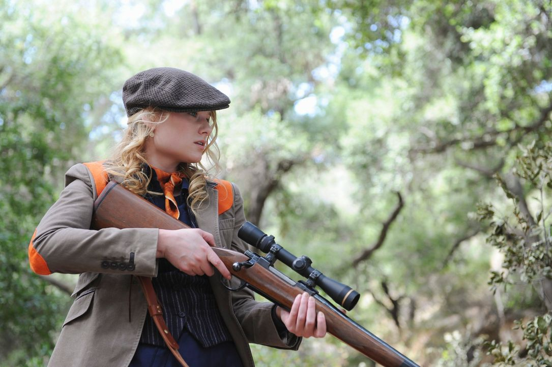 Ein Jagdausflug endet für Erika Loebs (Natalie Floyd) Mutter tödlich ... - Bildquelle: ABC Studios