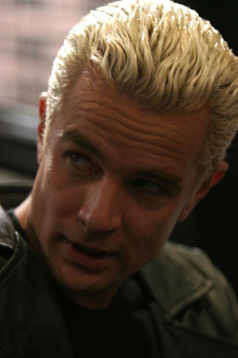 Spike (James Marsters) wird von Lindsey auf Cordelia gehetzt ... - Bildquelle: The WB Television Network