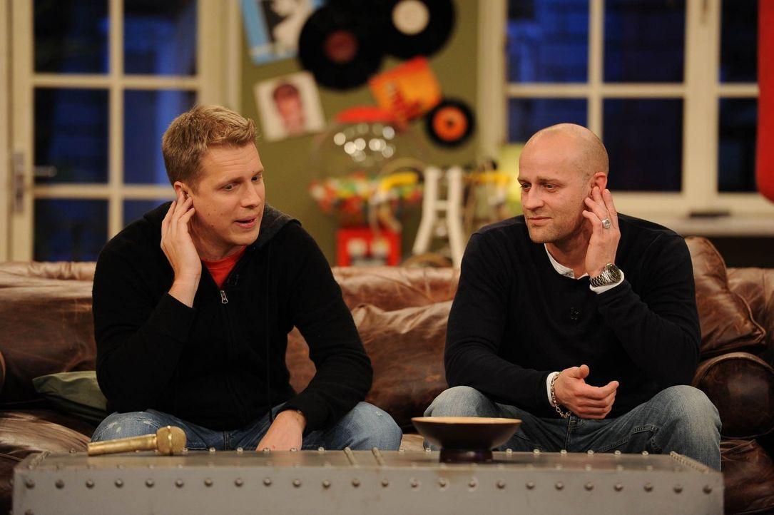 Überlegen, wie Olli den Durchbruch schaffen kann: Olli (l.) und Jürgen (r.) ... - Bildquelle: Willi Weber SAT.1