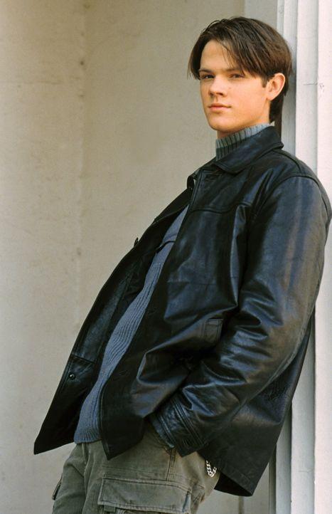 (1. Staffel) - Als der attraktive Dean (Jared Padalecki) nach Stars Hollow kommt, verdreht er Rory sofort den Kopf. Hat die junge Liebe eine Chance? - Bildquelle: 2000 Warner Bros.