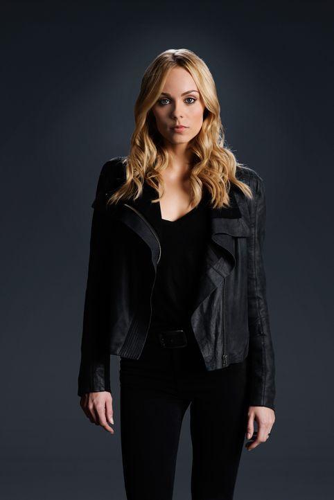 (3. Staffel) - Um seine Macht als Alpha zu stärken, geht Jeremy über Leichen und erwartet auch von Elena (Laura Vandervoort), dass sie ihm bedingung... - Bildquelle: 2016 She-Wolf Season 3 Productions Inc.