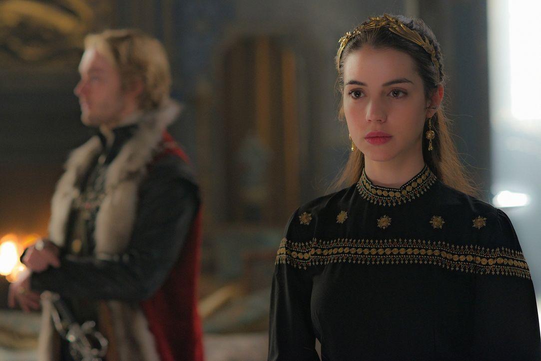 Im Kampf von Frankreich gegen England stellt sich Mary (Adelaide Kane, r.) auf die Seite von Francis (Toby Regbo, l.) und Frankreich ... - Bildquelle: Sven Frenzel 2014 The CW Network, LLC. All rights reserved.