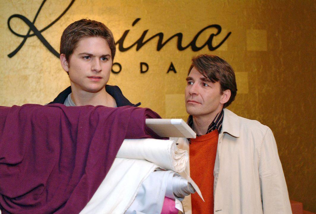 Timo (Matthias Dietrich, l.) ist nicht gerade erfreut, als sein Vater Thomas (Michael Schütz, r.) nach langer Zeit unverhofft auftaucht. - Bildquelle: Sat.1