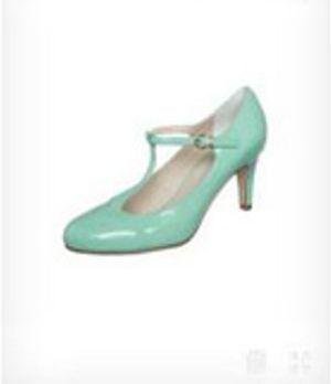 Der süße Schuh passt perfekt zum rest des Retro-Looks!