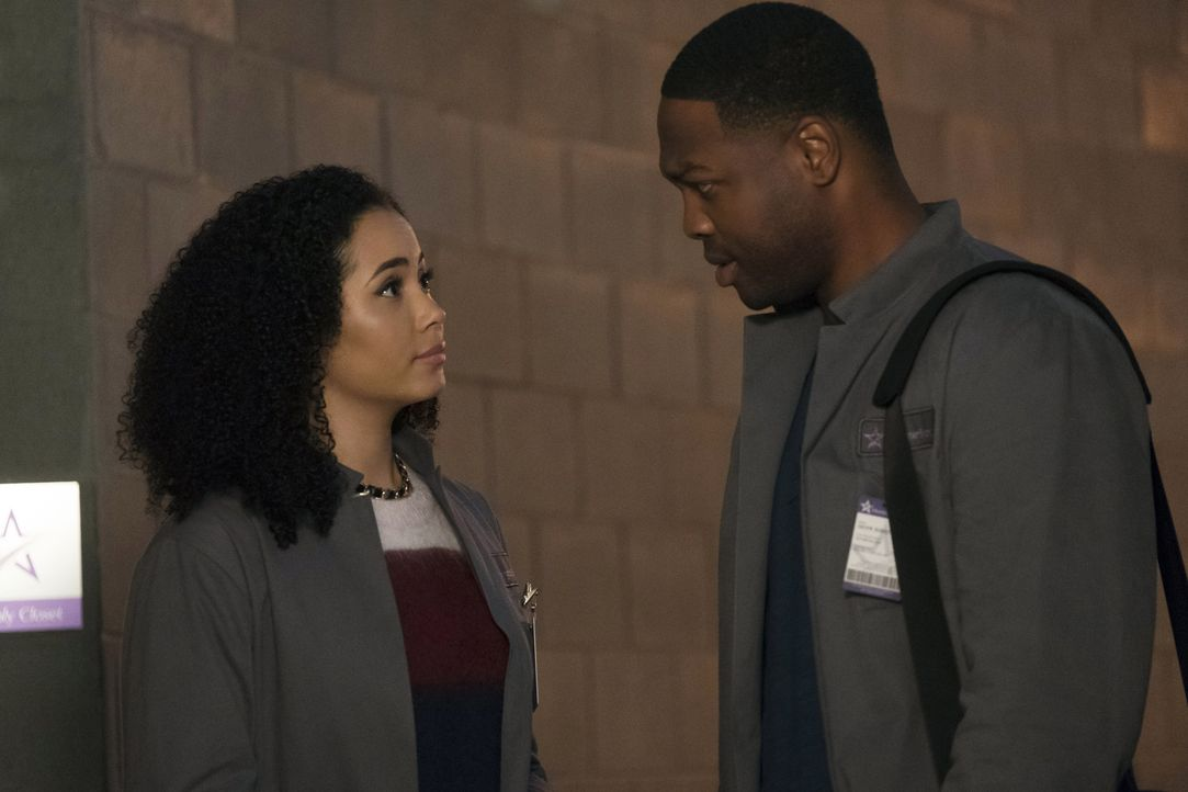 Macy Vaughn (Madeleine Mantock, l.); Galvin Burdette (Ser'Darius Blain, r.) - Bildquelle: Katie Yu 2019 The CW Network, LLC. All Rights Reserved.