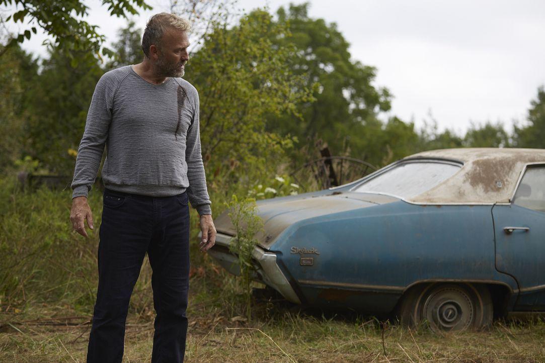 Lässt sich Malcolm (James McGowan) wirklich als Köder einsetzten? - Bildquelle: 2015 She-Wolf Season 2 Productions Inc.