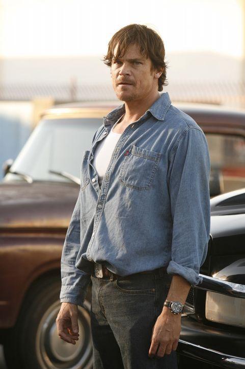 Sadie und Ryan treffen in Indio endlich auf Johnnys Vater Jack (Rod Rowland). Als dieser sich weigert, Sadie das Geld zu geben, schlägt sie vor Wut... - Bildquelle: Warner Bros. Television