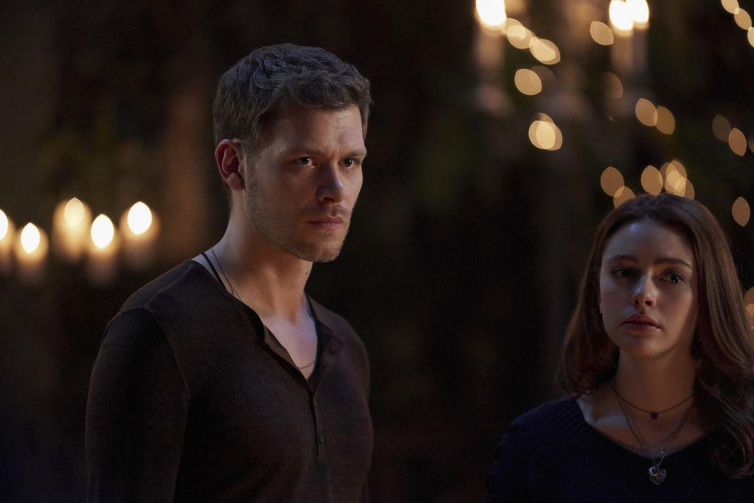 Klaus (Joseph Morgan, l.); Hope (Danielle Rose Russell, r.) - Bildquelle: Warner Bros.