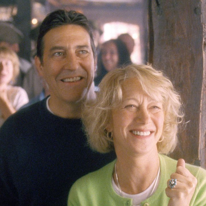 Rod Harper (Ciaran Hinds, l.) ist sehr stolz auf seine Frau Chris (Helen Mirren, r.), die mit ihrer Initiative unglaubliches erreicht hat ... - Bildquelle: Jamie Midgley Buena Vista Pictures Distribution /   Touchstone Pictures. All Rights Reserved.