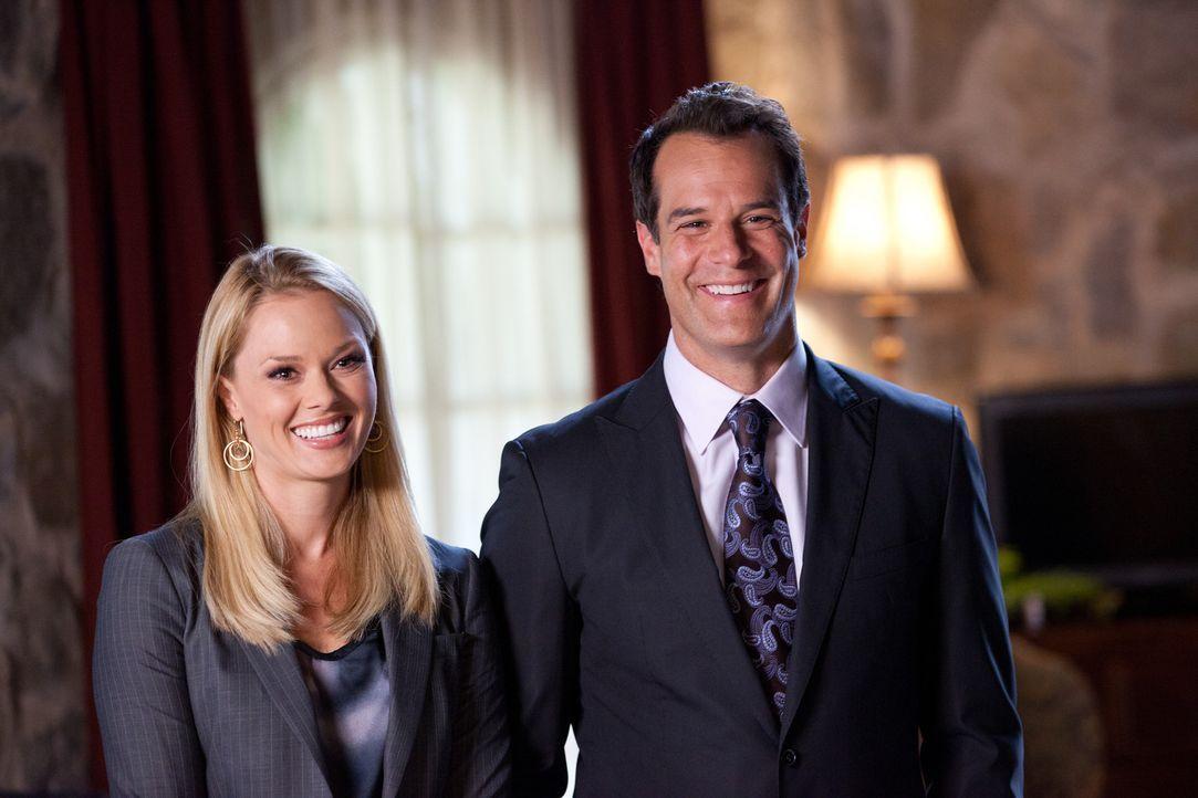 Jay (Josh Stamberg, r.) und Kim (Kate Levering, l.) stehen vor einer neuen Herausforderung ... - Bildquelle: 2011 Sony Pictures Television Inc. All Rights Reserved.