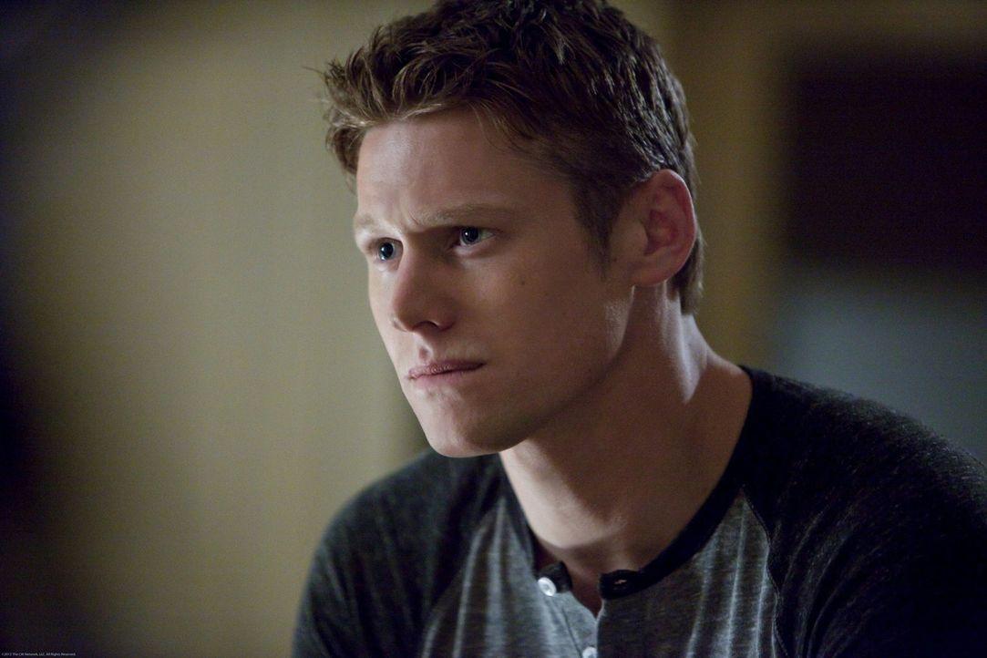 Matt (Zach Roerig) ist überrascht, als sich Elena Jahre später für ihr Verhalten ihm gegenüber entschuldigt .. - Bildquelle: Warner Brothers