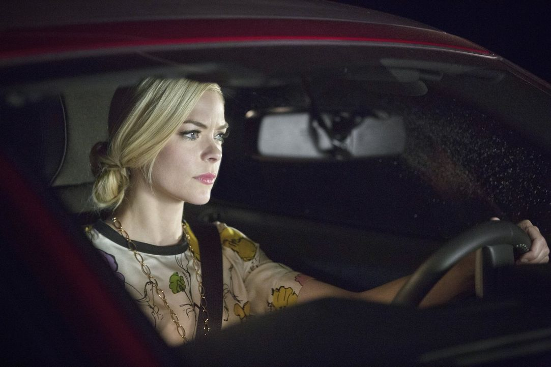 Während Lemon (Jaime King) mit AnnaBeth und Crickett einen Ausflug macht, bekommt George ein unglaubliches Angebot ... - Bildquelle: 2014 Warner Brothers