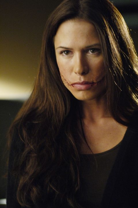 Das nächste Opfer des Schlitzers: Kit McGraw (Rhona Mitra) ... - Bildquelle: TM and   2005 Warner Bros. Entertainment Inc. All Rights Reserved.