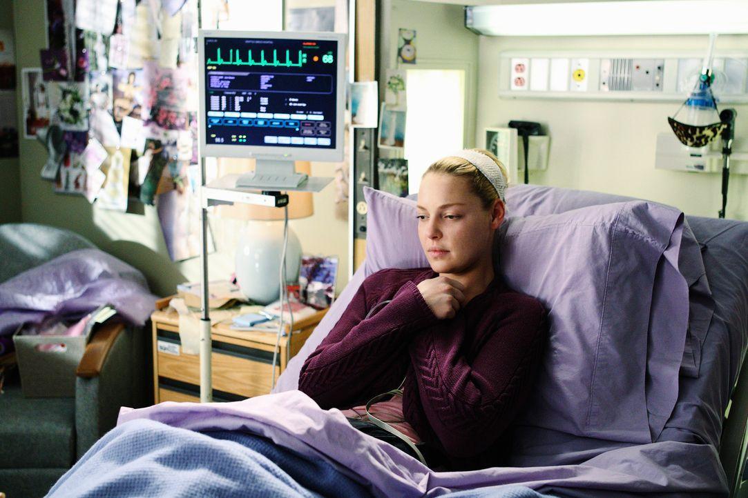 Mitten in ihren kräftezehrenden Behandlungen widmet sich Izzie (Katherine Heigl) voll und ganz der Hochzeitsplanung für Derek und Meredith. Doch d... - Bildquelle: Touchstone Television
