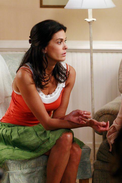 Susan (Teri Hatcher) kann nicht fassen, zu welchen Frauenarzt Bree sie geschickt hat ... - Bildquelle: ABC Studios