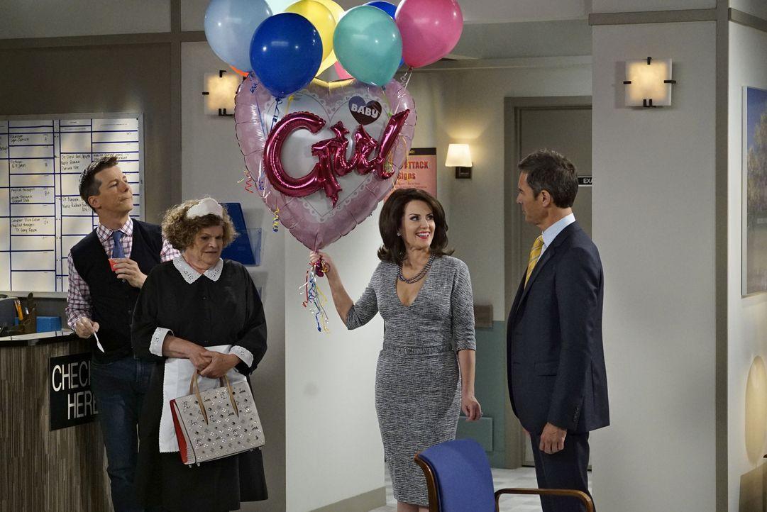 Jack (Sean Hayes, l.), Bridget (Mary Pat Gleason, 2.v.l.) und Will (Eric McCromack, r.) sind sich nicht sicher, wie Karen (Megan Mullaly, 2.v.r.) mi... - Bildquelle: Chris Haston 2017 NBCUniversal Media, LLC / Chris Haston