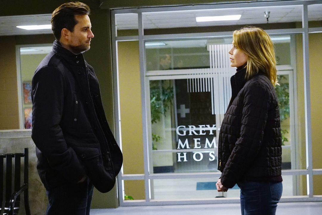 Während April sich weigert, Jackson von ihre Schwangerschaft zu berichten, hofft Major Thorpe (Scott Elrod, l.) auf eine Date mit Meredith (Ellen Po... - Bildquelle: Richard Cartwright ABC Studios