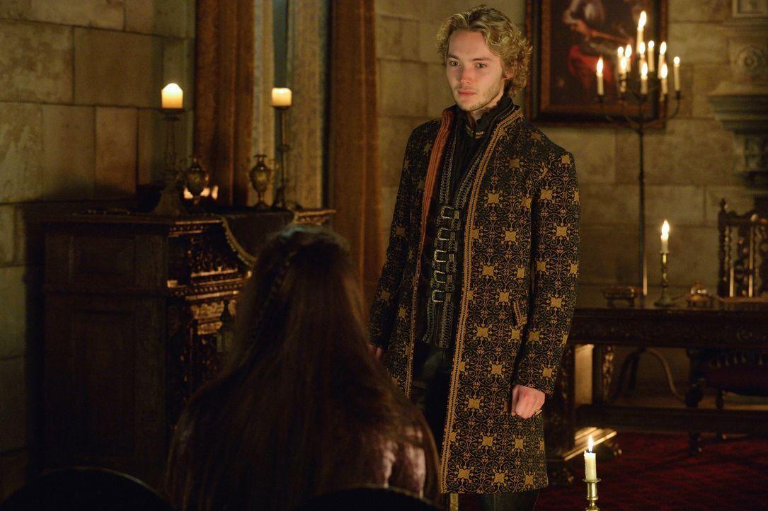 Francis (Toby Regbo) eilt sofort zum königlichen Hof zurück, als er von den protestantischen Überfall hört ... - Bildquelle: Ben Mark Holzberg 2014 The CW Network, LLC. All rights reserved.