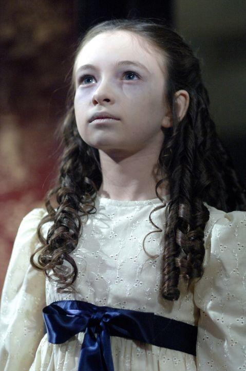 Das Killer-Mädchen (Jodelle Ferland) kennt kein Erbarmen ... - Bildquelle: Warner Bros. Television
