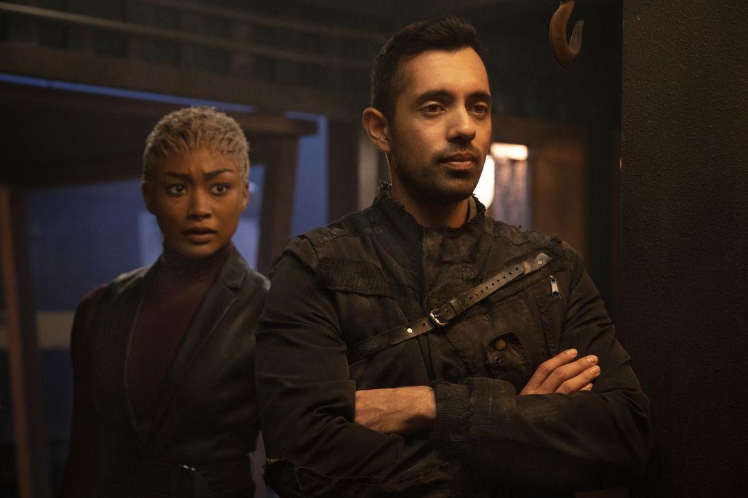 Gaia (Tati Gabrielle, l.); Dr. Eric Jackson (Sachin Sahel, r.) - Bildquelle: 2020 Warner Bros. Entertainment Inc. All rights reserved.