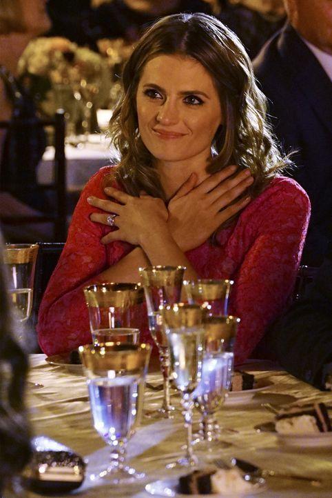 Schafft es Castle am Ende doch, seine Frau Kate (Stana Katic) von seiner waghalsigen Vermutung zu überzeugen? - Bildquelle: Richard Cartwright ABC Studios