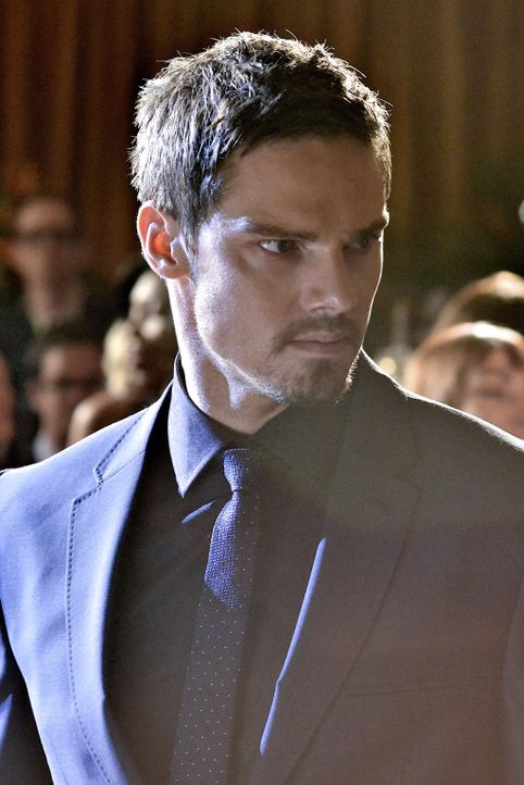 Hat Vincent (Jay Ryan) etwas mit dem Mord an einem FBI-Agenten zu tun? - Bildquelle: 2013 The CW Network, LLC. All rights reserved.