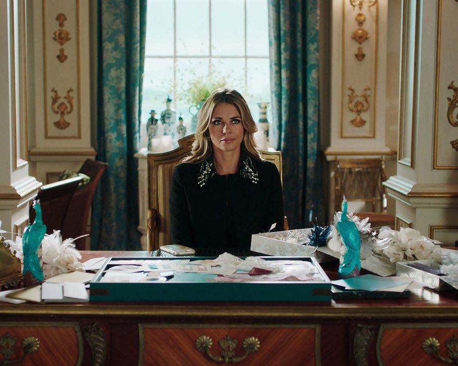 Muss sich damit abfinden, dass sie schon bald nicht mehr die Königin, sondern nur noch Königinmutter sein könnte: Helena (Elizabeth Hurley) ... - Bildquelle: 2018 Lions Gate Entertainment Inc. All Rights Reserved.