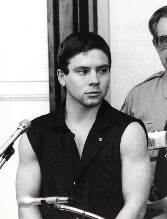 Keith Bouchard (Bild) hilft seinen beiden Kolleginnen, den Ehemann von Elizabeth umzubringen. Doch als die Polizei bei ihnen in der Arbeit zu ermitt... - Bildquelle: Lexington Herald-Leader