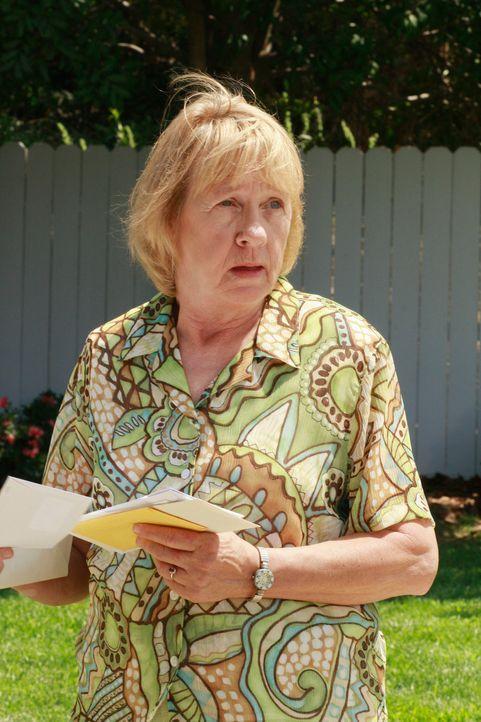 Mrs. McCluskeys (Kathryn Joosten) wird 70 - und nicht ohne Hintergedanken plant Dave eine Überraschungsparty für sie ... - Bildquelle: ABC Studios