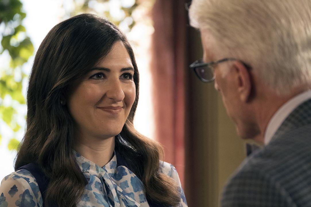 Als es Janet (D'Arcy Carden) immer schlechter geht, muss Michael nicht nur einen Weg finden, diese Entwicklungen vor Vicky geheim zu halten, sondern... - Bildquelle: Colleen Hayes 2017 Universal Television LLC. ALL RIGHTS RESERVED.