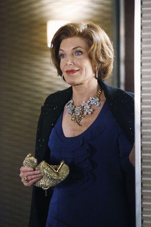 Ihr erfolgreiches Date vom Vorabend lässt Martha (Susan Sullivan) strahlen. - Bildquelle: ABC Studios