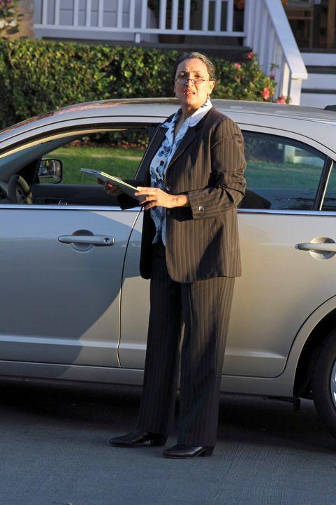 Hat gute Neuigkeiten für Lynette: Agent Aronson (Sarah Ripard) ... - Bildquelle: ABC Studios