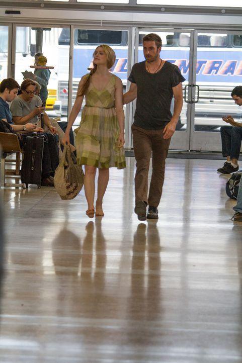 Daisy Kensington (Evan Rachel Wood, l.); Jay Wheeler (Scott Speedman, r.) - Bildquelle: Bart Singer 2013 BAREFOOT PICTURES LLC.  ALL RIGHTS RESERVED. / Bart Singer