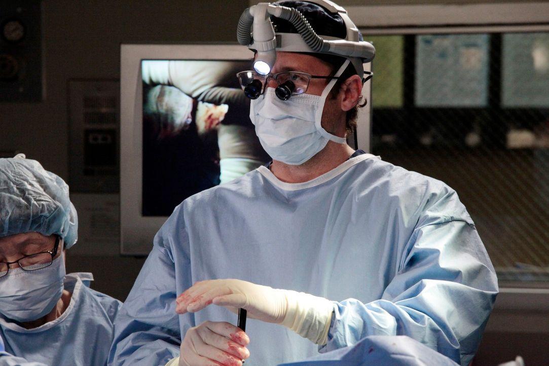 Behandelt einem Patienten, der einen Teil seines Schädels verloren hat: Derek (Patrick Dempsey) ... - Bildquelle: Touchstone Television