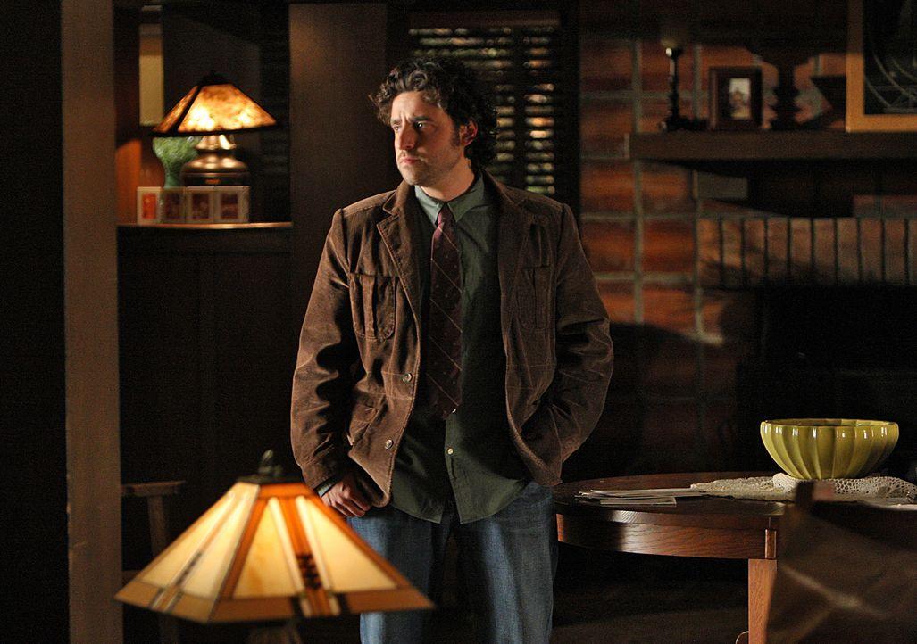 Charlie (David Krumholtz) hat die schwere Verletzung seines Bruders noch nicht überwunden und stürzt sich, um sich abzulenken, in die Arbeit ... - Bildquelle: Paramount Network Television