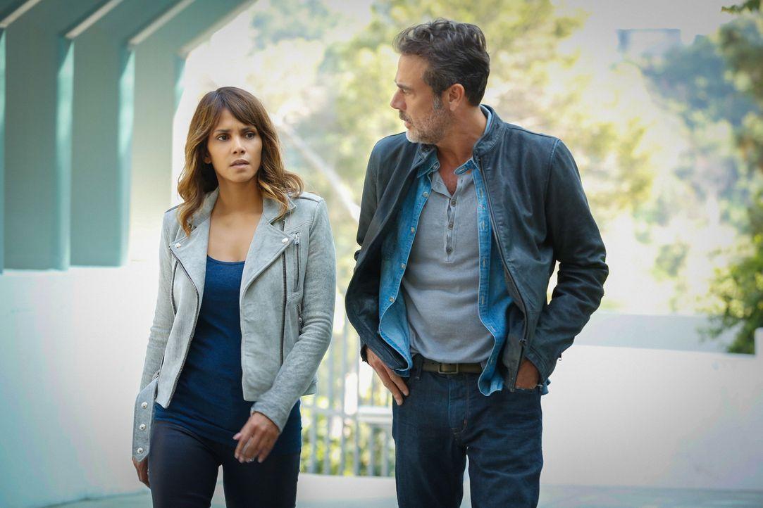 Sein neuster Fall bringt Detective JD Richter (Jeffrey Dean Morgan, r.) mit Molly (Halle Berry, l.) zusammen ... - Bildquelle: Robert Voets 2015 CBS Broadcasting Inc. All Rights Reserved.