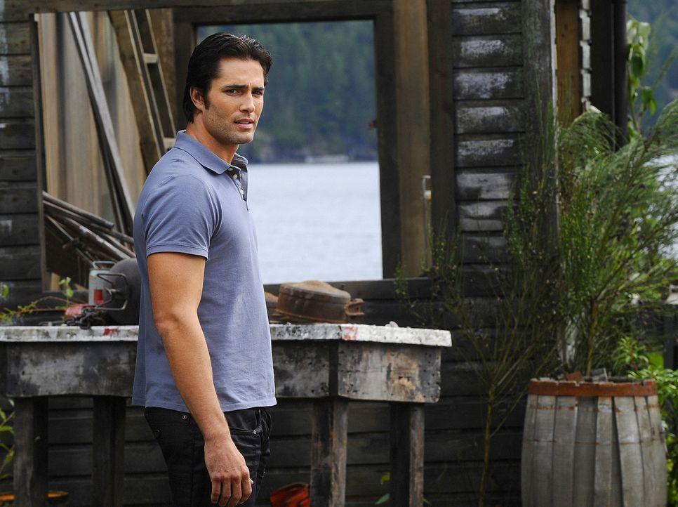 Hunter (Victor Webster) ist Trish' Ex-Freund. Jetzt, wo sie heiratet, wird ihm bewusst, wieviel sie ihm bedeutet ... - Bildquelle: 2009 CBS Studios Inc. All Rights Reserved.