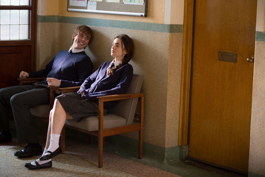 Gehen durch dick und dünn: Alex (Sam Claflin, l.) und Rosie (Lily Collins, r.) ... - Bildquelle: Constantin Film Verleih GmbH