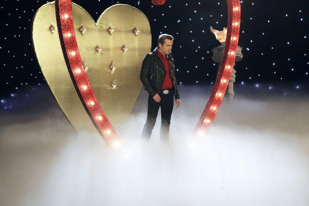 Wird Richard (Kevin Bishop) seine Neujahrsvorsätze endlich in die Tat umsetzen können? - Bildquelle: Warner Brothers