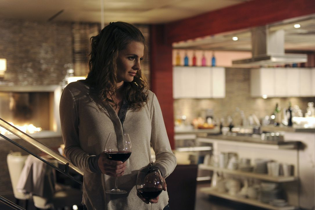 Es gibt etwas zu feiern: Kate Beckett (Stana Katic) - Bildquelle: 2011 American Broadcasting Companies, Inc. All rights reserved.