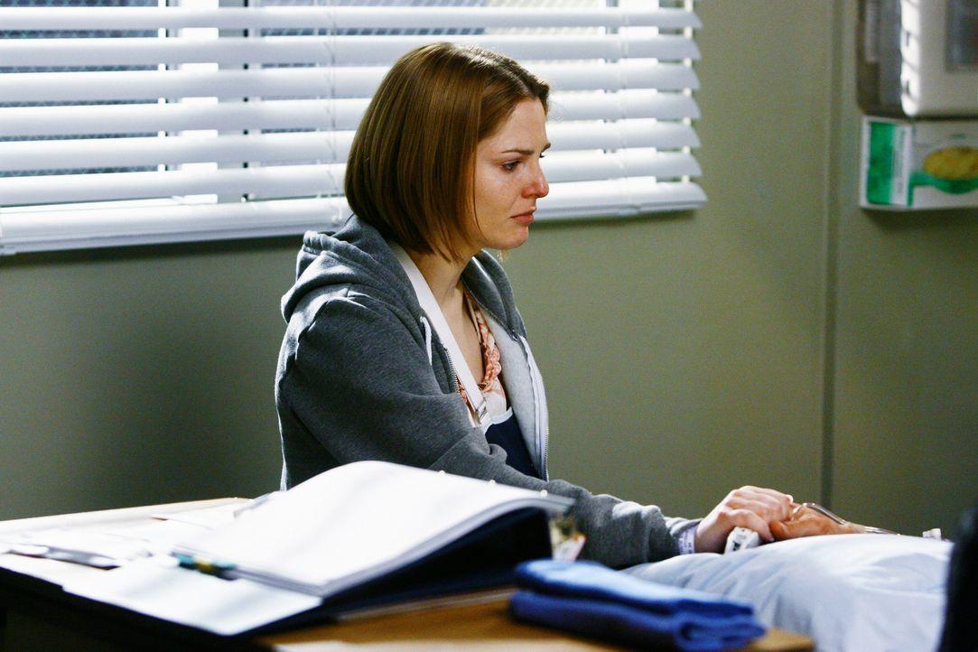 Hofft, dass ihr Lebensretter überlebt: Amanda (Shannon Lucio) ... - Bildquelle: Touchstone Television