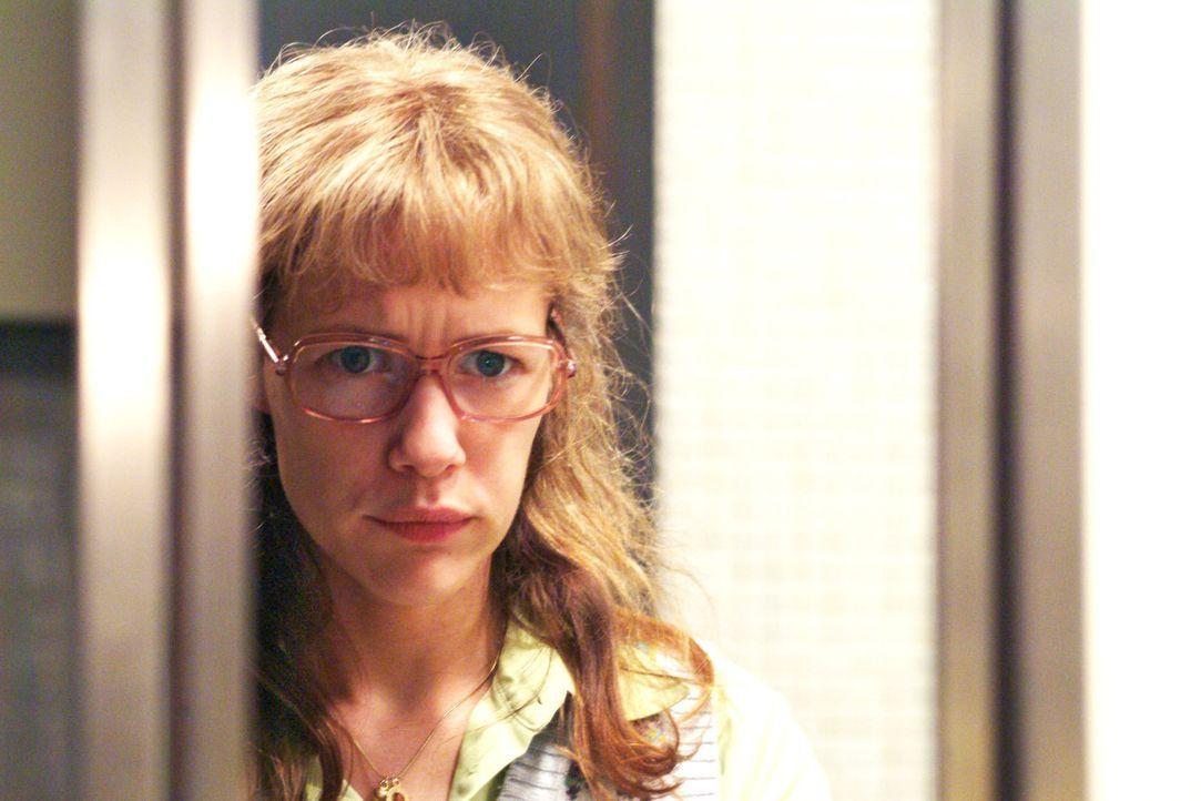 Lisa (Alexandra Neldel) ist von ihren Gefühlen zu David hin- und hergerissen: Kann sie ihm vertrauen oder wird er sie bald wieder schlecht behandel... - Bildquelle: Sat.1