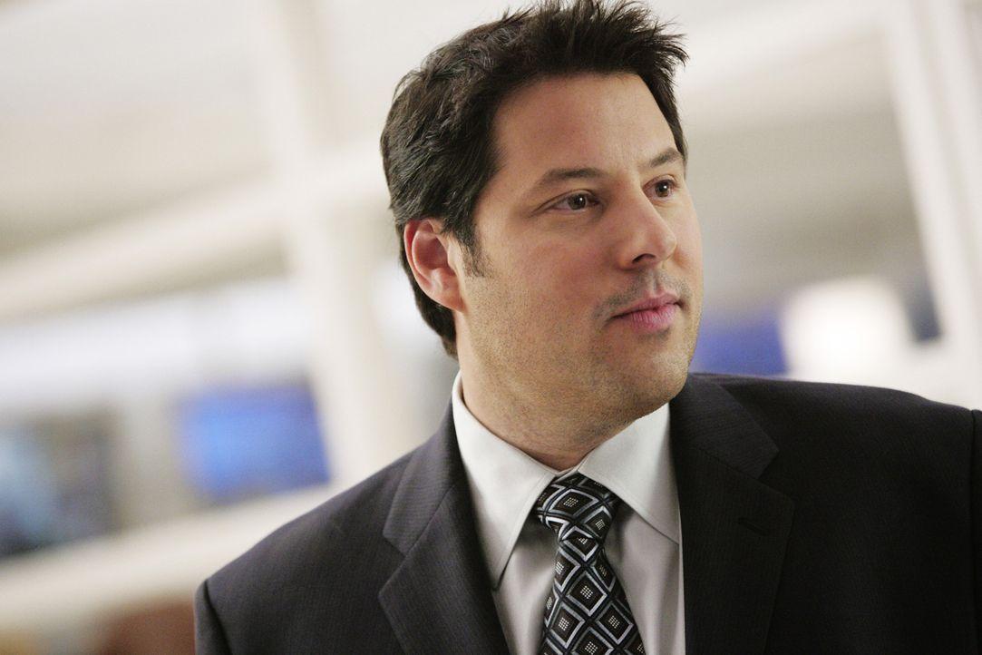 Wird nach Washington befördert: Eric Weiss (Greg Grunberg) ... - Bildquelle: Touchstone Television