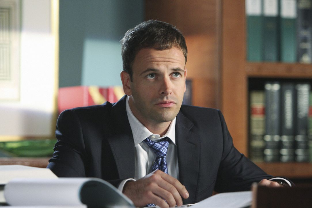 Ist in Ashley verliebt: Eli Stone (Jonny Lee Miller) ... - Bildquelle: Disney - ABC International Television