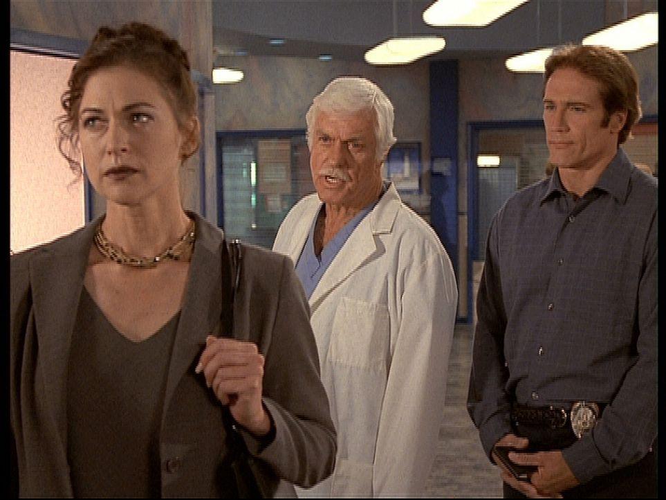 Mark (Dick Van Dyke, M.) redet Maya (Susan Gibney, l.) ins Gewissen, nicht in die Fußstapfen ihres Vaters zu treten. Steve (Barry Van Dyke, r.) ist... - Bildquelle: Viacom