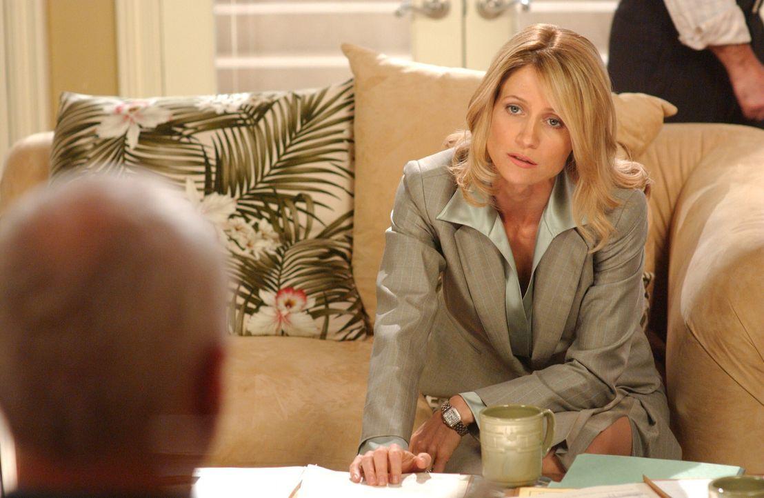 Nachdem Caleb (Alan Dale, l.) aus der Untersuchungshaft entlassen wurde, muss er ein paar Entscheidungen für die Newport Group treffen, die Kirsten... - Bildquelle: Warner Bros. Television